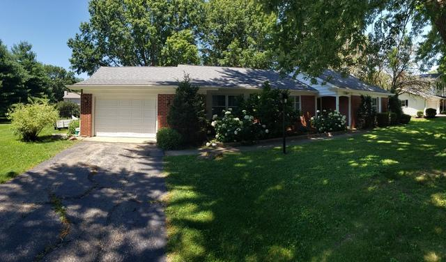 1410 E 35th Street, Sterling, IL 61081 (MLS #10449289) :: Property Consultants Realty
