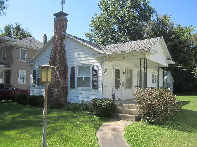 118 E Adams Avenue, Watseka, IL 60970 (MLS #10449421) :: Lewke Partners