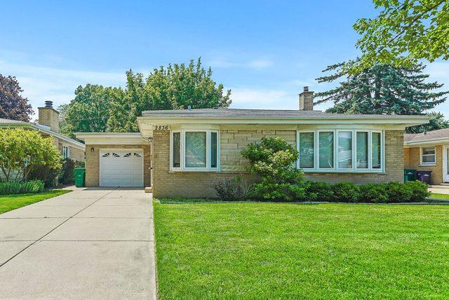 2836 Downing Avenue, Westchester, IL 60154 (MLS #10449432) :: The Perotti Group | Compass Real Estate
