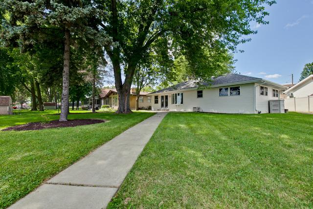 524 Park Avenue, Fox Lake, IL 60020 (MLS #10449617) :: Lewke Partners