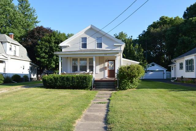 318 W Peru Street, Princeton, IL 61356 (MLS #10449795) :: Berkshire Hathaway HomeServices Snyder Real Estate