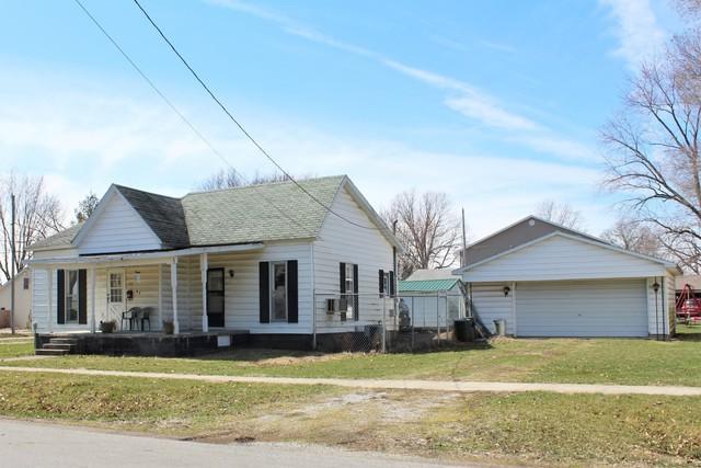 425 S Union Street, ARTHUR, IL 61911 (MLS #10450175) :: Lewke Partners