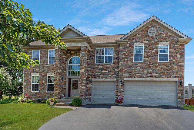 1400 Bison Lane, Hoffman Estates, IL 60192 (MLS #10450358) :: Berkshire Hathaway HomeServices Snyder Real Estate