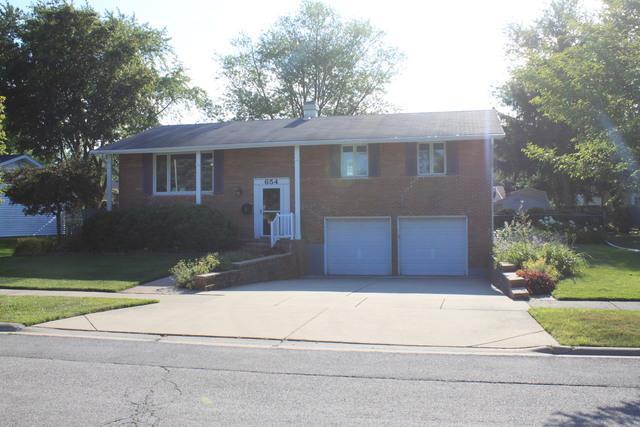 654 N Robinson Drive, Palatine, IL 60074 (MLS #10450397) :: Century 21 Affiliated