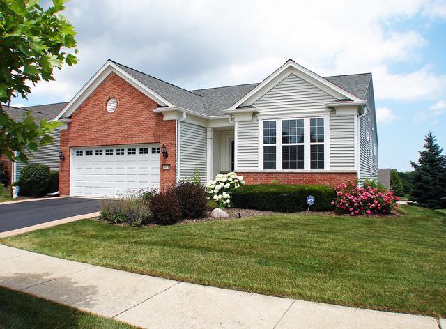 3011 Ravinia Circle, Mundelein, IL 60060 (MLS #10450426) :: Berkshire Hathaway HomeServices Snyder Real Estate