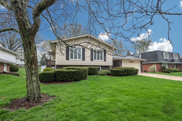 18W076 71st Street, Darien, IL 60561 (MLS #10450656) :: Berkshire Hathaway HomeServices Snyder Real Estate