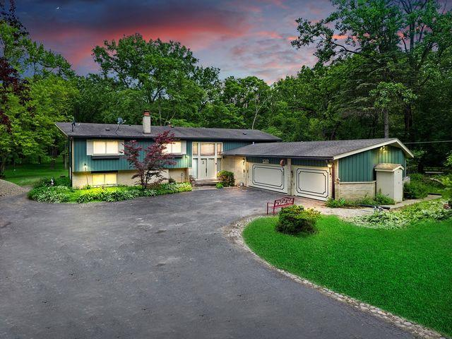 3377 Old Mill Road, Highland Park, IL 60035 (MLS #10450920) :: Baz Realty Network | Keller Williams Elite