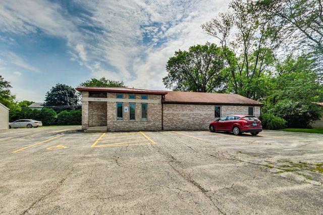 1S147 Summit Avenue, Oakbrook Terrace, IL 60181 (MLS #10450921) :: Angela Walker Homes Real Estate Group