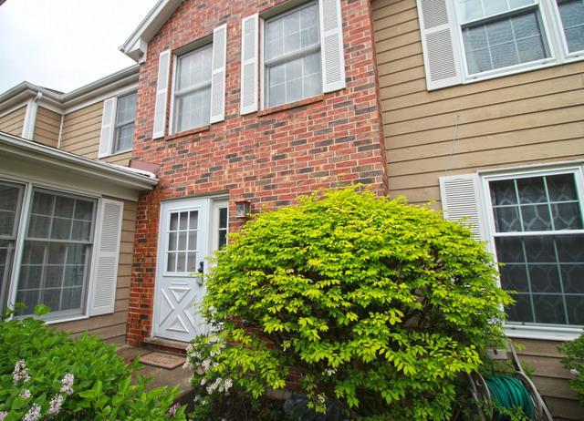 15 Sommerset Lane, Lincolnshire, IL 60069 (MLS #10451092) :: Helen Oliveri Real Estate