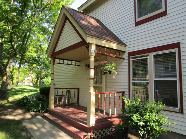 1251 Thomas Drive, Woodstock, IL 60098 (MLS #10451167) :: Janet Jurich Realty Group