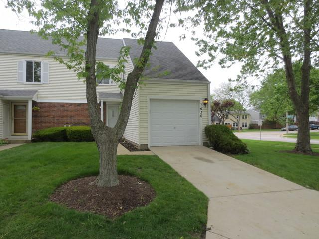 7636 Crescent Way, Hanover Park, IL 60133 (MLS #10451176) :: Janet Jurich Realty Group