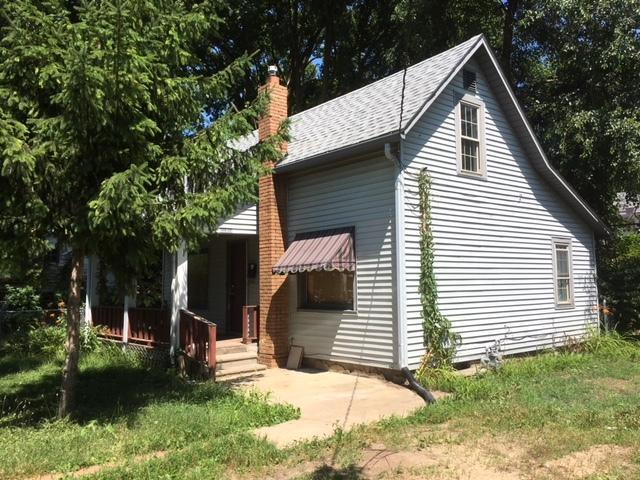 1416 Woodruff Avenue, Rockford, IL 61104 (MLS #10451246) :: Lewke Partners