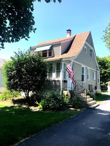303 Davison Street, Joliet, IL 60433 (MLS #10451292) :: Property Consultants Realty