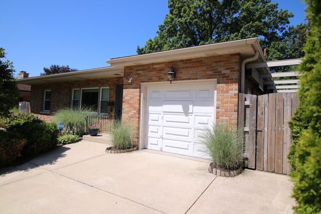 312 N Lombard Avenue, Lombard, IL 60148 (MLS #10451327) :: The Mattz Mega Group