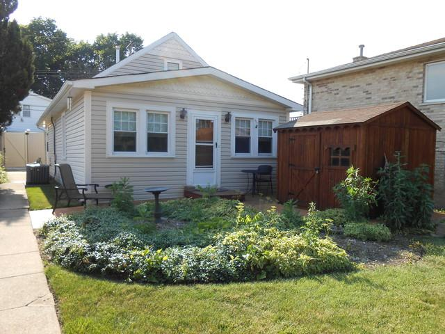 3630 N Panama Avenue, Chicago, IL 60634 (MLS #10451536) :: Berkshire Hathaway HomeServices Snyder Real Estate