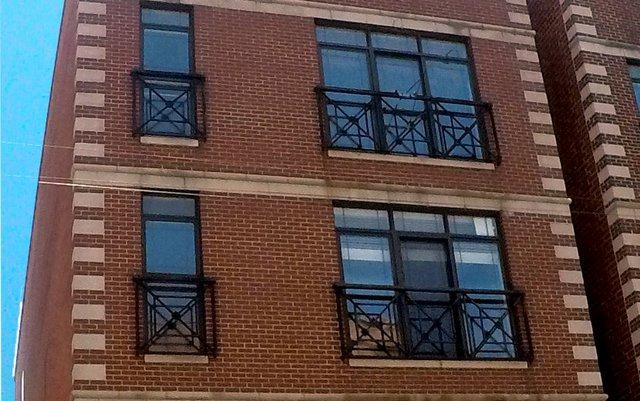 2043 W Belmont Avenue #4, Chicago, IL 60618 (MLS #10451690) :: The Mattz Mega Group