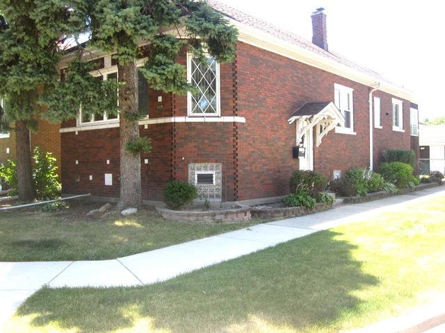 7851 W Oakleaf Avenue, Elmwood Park, IL 60707 (MLS #10451721) :: Baz Realty Network   Keller Williams Elite