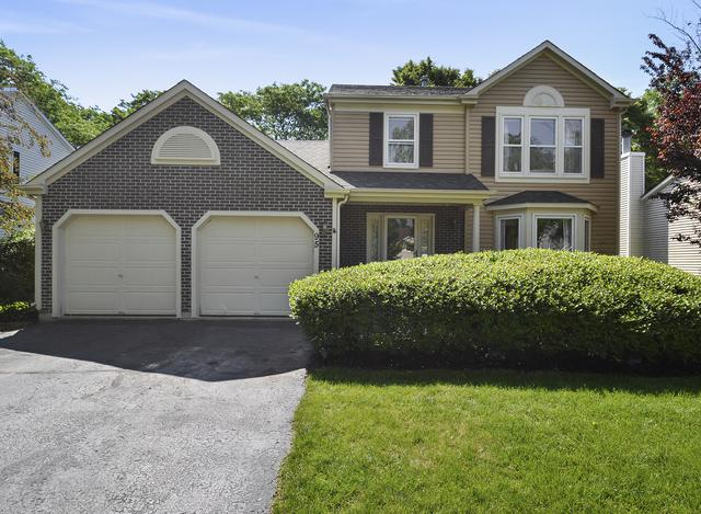 95 N Fiore Parkway, Vernon Hills, IL 60061 (MLS #10451723) :: Berkshire Hathaway HomeServices Snyder Real Estate