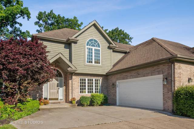 8808 Donegal Drive, Darien, IL 60561 (MLS #10451742) :: Berkshire Hathaway HomeServices Snyder Real Estate