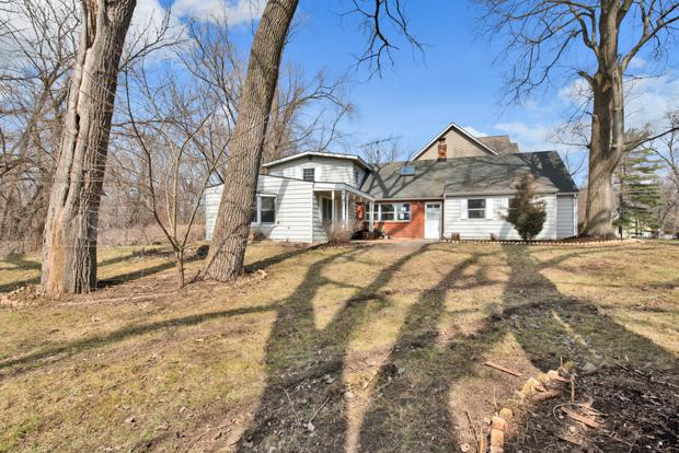 38024 N Lee Avenue, Spring Grove, IL 60081 (MLS #10451788) :: Berkshire Hathaway HomeServices Snyder Real Estate