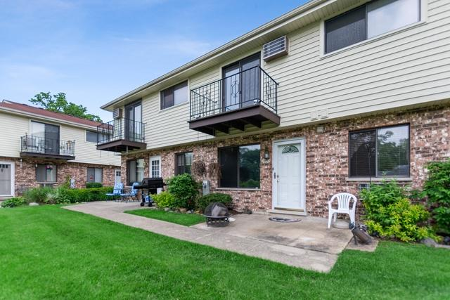 128 Willows Edge Court E, Willow Springs, IL 60480 (MLS #10451838) :: Berkshire Hathaway HomeServices Snyder Real Estate