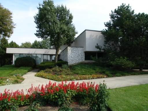 1602 Midwest Club Parkway, Oak Brook, IL 60523 (MLS #10451886) :: The Mattz Mega Group
