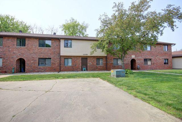 1305 Christopher Circle #7, Urbana, IL 61802 (MLS #10452016) :: Property Consultants Realty