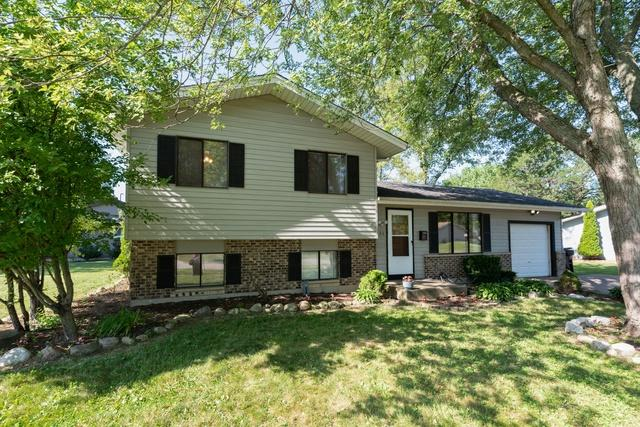 895 Aberdeen Drive, Crystal Lake, IL 60014 (MLS #10452078) :: The Mattz Mega Group