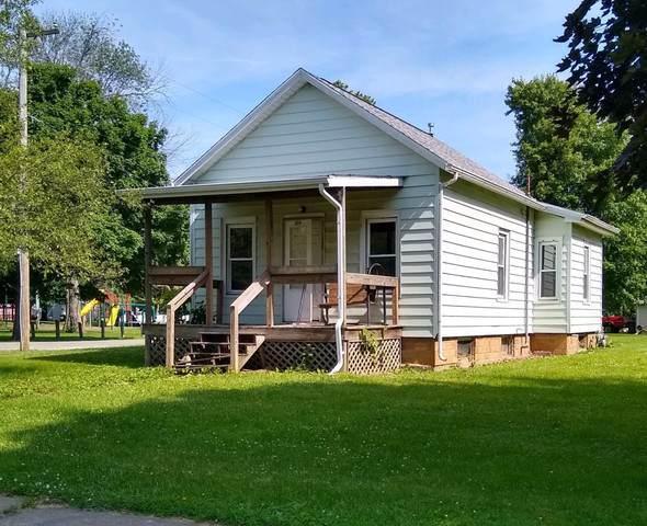 318 W Holden Street, TOLONO, IL 61880 (MLS #10452329) :: Lewke Partners