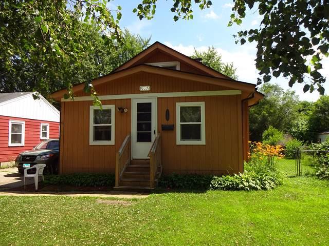 3002 Ridgeway Avenue, Rockford, IL 61101 (MLS #10452374) :: Lewke Partners