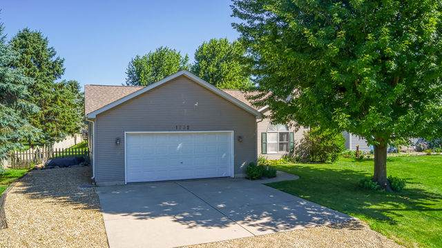 1732 Suzy Street, Lake Holiday, IL 60548 (MLS #10452607) :: The Perotti Group | Compass Real Estate