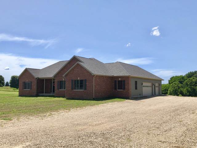 1321 King Court, Princeton, IL 61356 (MLS #10452696) :: Berkshire Hathaway HomeServices Snyder Real Estate