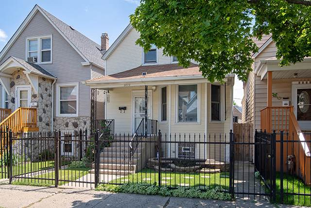 2223 N Keeler Avenue, Chicago, IL 60639 (MLS #10452838) :: The Perotti Group | Compass Real Estate