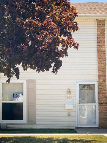 1909 Kenilworth Circle, Hoffman Estates, IL 60169 (MLS #10453015) :: Berkshire Hathaway HomeServices Snyder Real Estate
