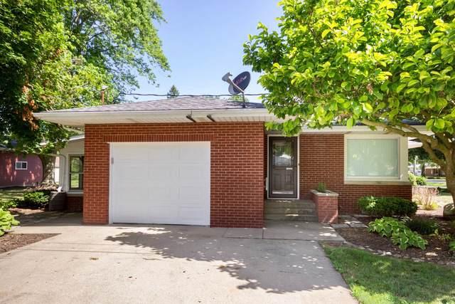 502 N 3rd Street, Cissna Park, IL 60924 (MLS #10453195) :: Ryan Dallas Real Estate