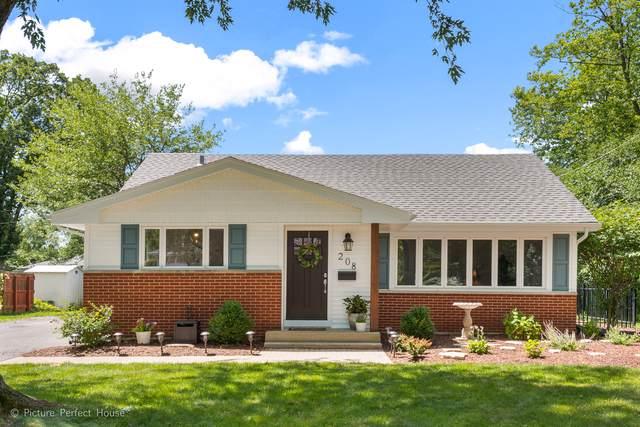 208 Shirley Court, Wheaton, IL 60187 (MLS #10453407) :: Ani Real Estate