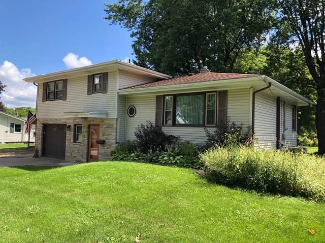 1603 Illinois Avenue, Mendota, IL 61342 (MLS #10453947) :: Ryan Dallas Real Estate