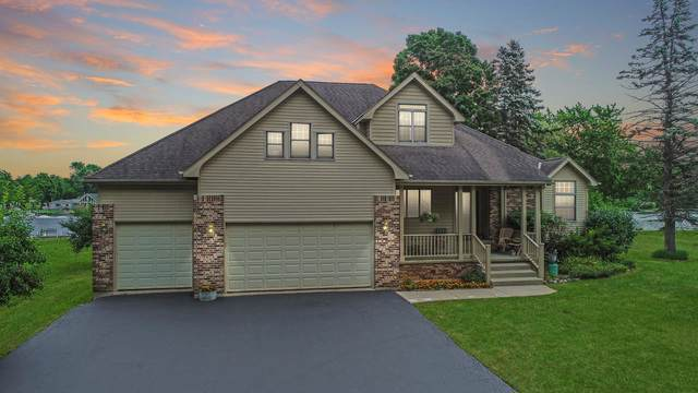 202 Country Club Drive, Mchenry, IL 60050 (MLS #10453960) :: Berkshire Hathaway HomeServices Snyder Real Estate