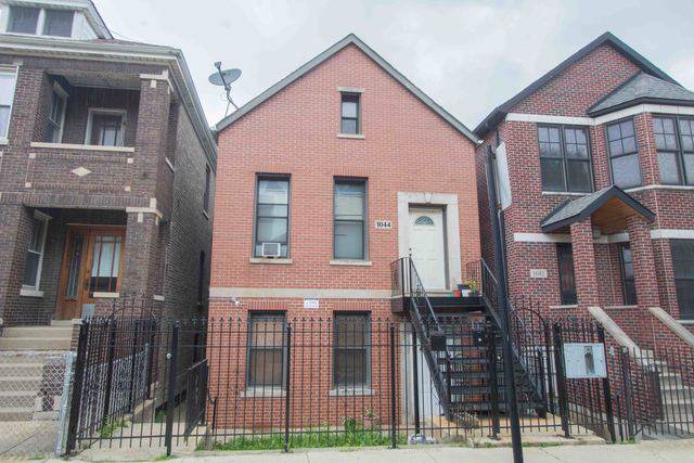 1044 W 34th Place, Chicago, IL 60608 (MLS #10454120) :: The Perotti Group   Compass Real Estate