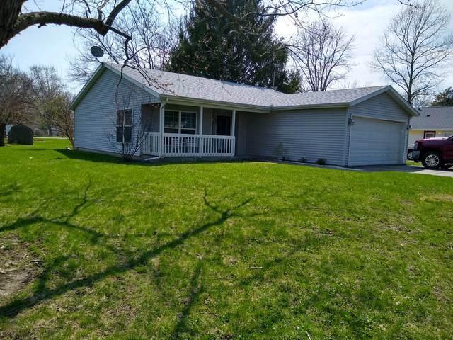303 W Vine Street, TOLONO, IL 61880 (MLS #10454525) :: Littlefield Group