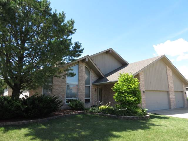 26062 W Highland Drive, Channahon, IL 60410 (MLS #10454986) :: The Perotti Group | Compass Real Estate