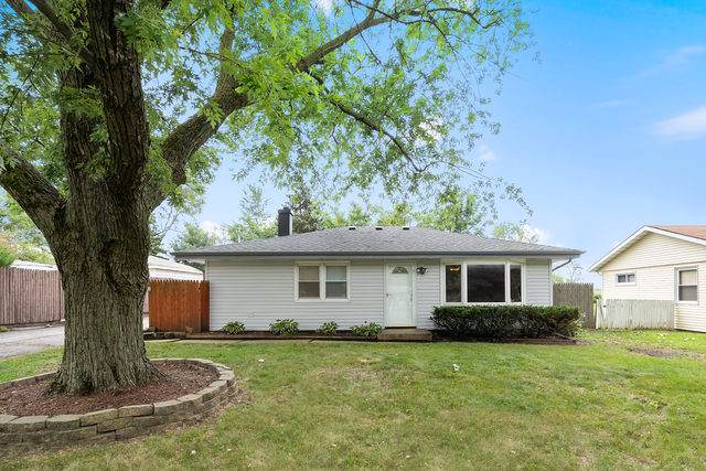 2300 Brentwood Avenue, Montgomery, IL 60538 (MLS #10454997) :: The Perotti Group | Compass Real Estate