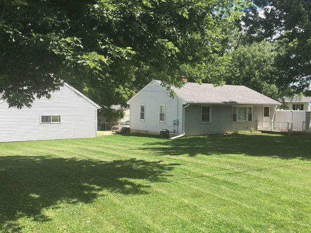 1004 Johnson Avenue, Dixon, IL 61021 (MLS #10455045) :: Lewke Partners