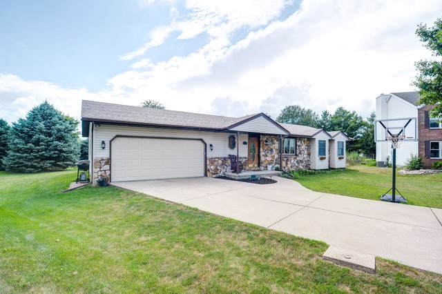 701 Pettit Drive, Hudson, IL 61748 (MLS #10455275) :: Berkshire Hathaway HomeServices Snyder Real Estate