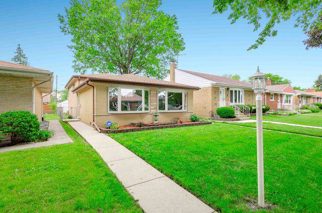 4037 Harvard Terrace, Skokie, IL 60076 (MLS #10456038) :: John Lyons Real Estate