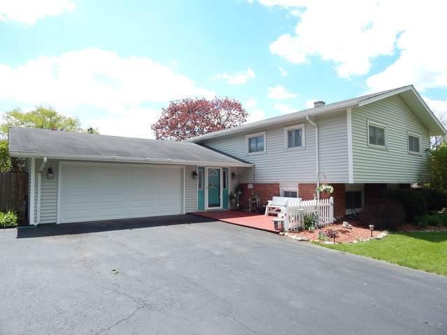 21W131 Everest Road, Lombard, IL 60148 (MLS #10456065) :: John Lyons Real Estate