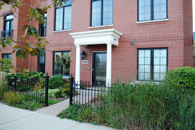 1896 Patriot Boulevard #68, Glenview, IL 60026 (MLS #10457164) :: Berkshire Hathaway HomeServices Snyder Real Estate