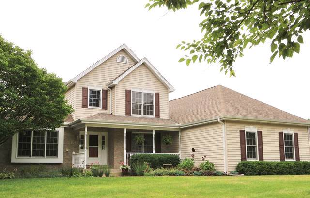 327 High Road, Cary, IL 60013 (MLS #10457218) :: Lewke Partners