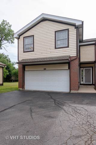 1823 Monroe Court #1823, Glenview, IL 60025 (MLS #10458139) :: Berkshire Hathaway HomeServices Snyder Real Estate