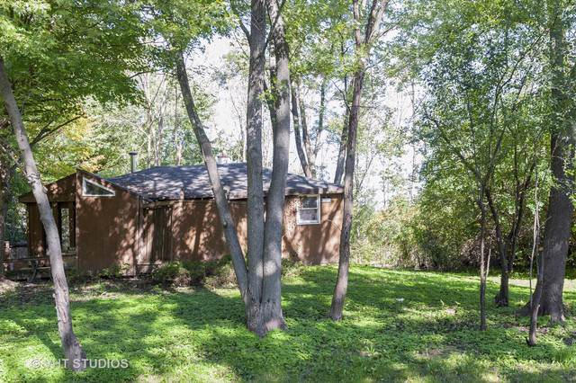 15170 W Walnut Drive, Deerfield, IL 60015 (MLS #10458234) :: Lewke Partners